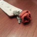 Segnalibro in lino ricamato con pizzo, foglie crochet