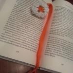 Segnalibro crochet in cotone con perle