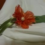 Segnalibro in tessuto verde prato con fiore in organza